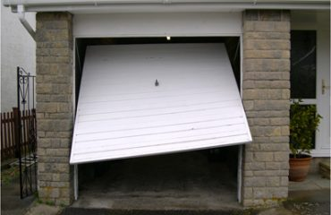 Garage door repairs signs