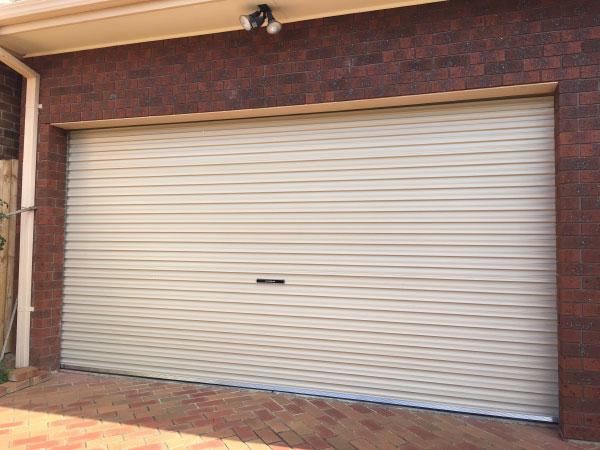 AA Series Roll Up Garage door