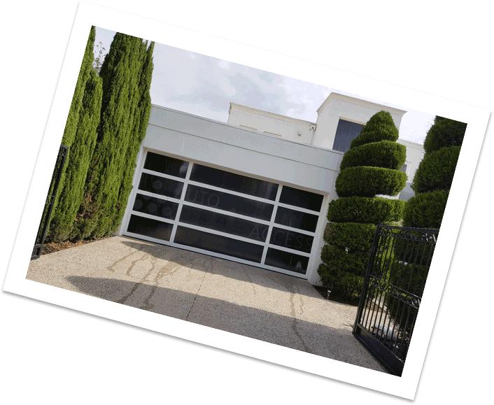 Custom sectional garage door - Eden Style